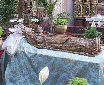 La Asunción de María a los cielos.  Els llits de la Mare de Déu d'Agost
